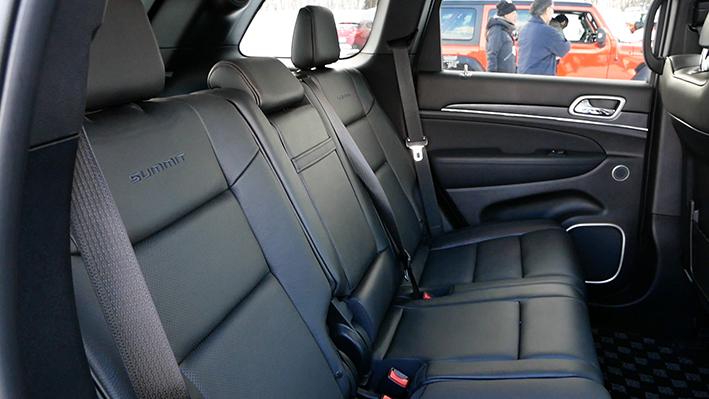 「【グランド チェロキー雪上試乗】ジープの最上級SUVはアメリカンなフィールで安心感もハイクラス」の8枚目の画像