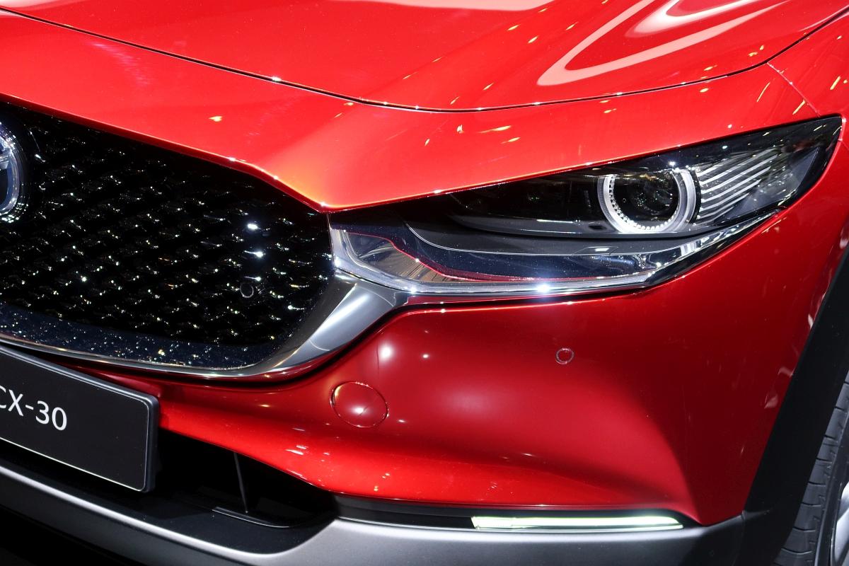 「なんと「CX-3」と併売? マツダの次世代SUV「CX-30」【ジュネーブモーターショー2019】」の1枚目の画像