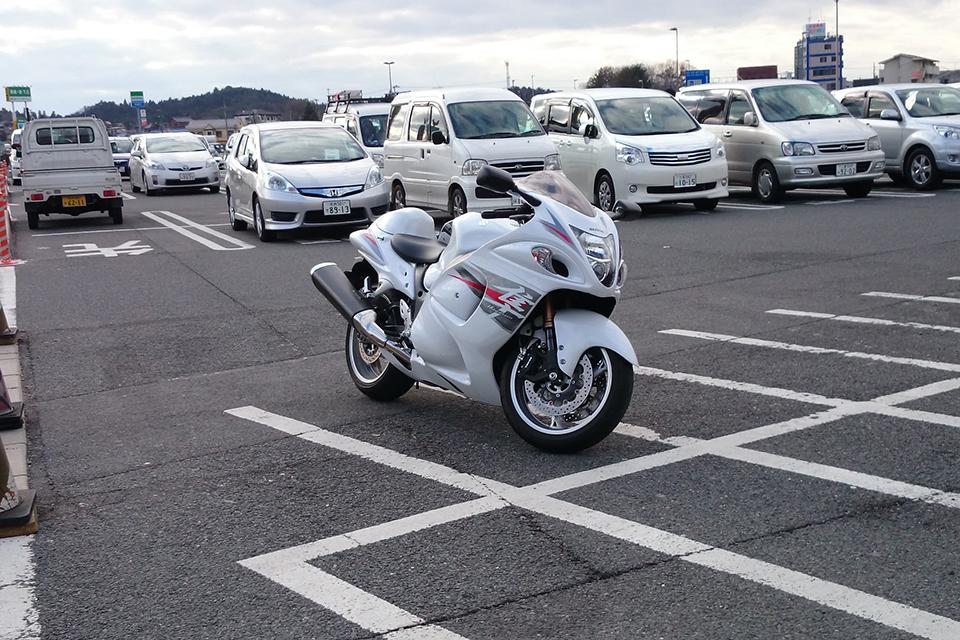 「【バイクの魅力】バイクに乗り始めた理由は?「安くて速いから」ケース2(24歳/motobeライター)」の2枚目の画像