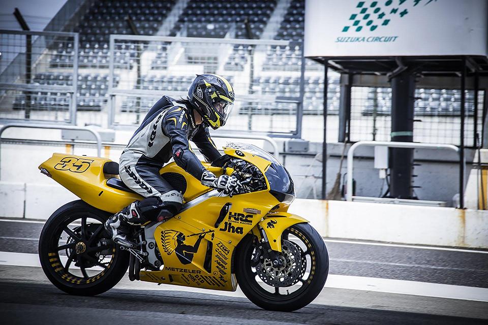 「【バイクの魅力】バイクに乗り始めた理由は?「安くて速いから」ケース2(24歳/motobeライター)」の1枚目の画像
