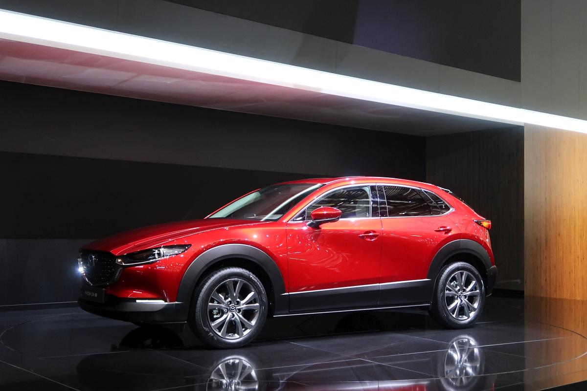 「なんと「CX-3」と併売? マツダの次世代SUV「CX-30」【ジュネーブモーターショー2019】」の10枚目の画像