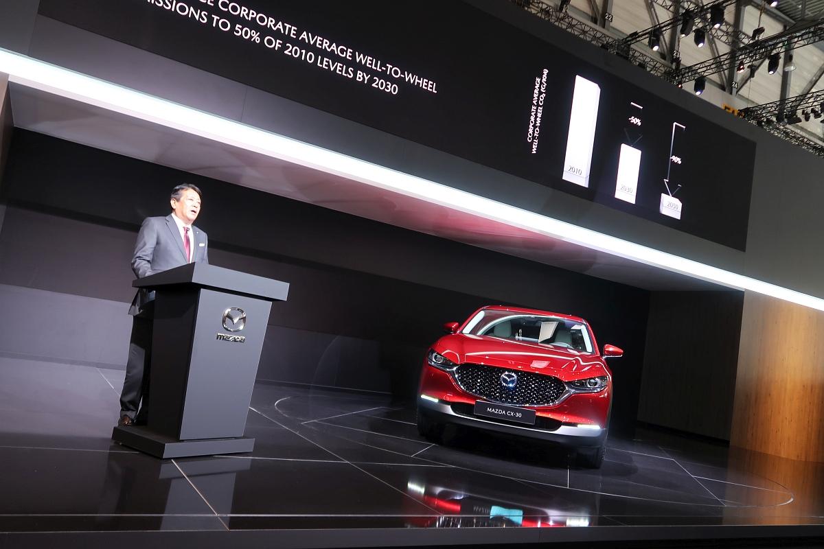 「なんと「CX-3」と併売? マツダの次世代SUV「CX-30」【ジュネーブモーターショー2019】」の8枚目の画像