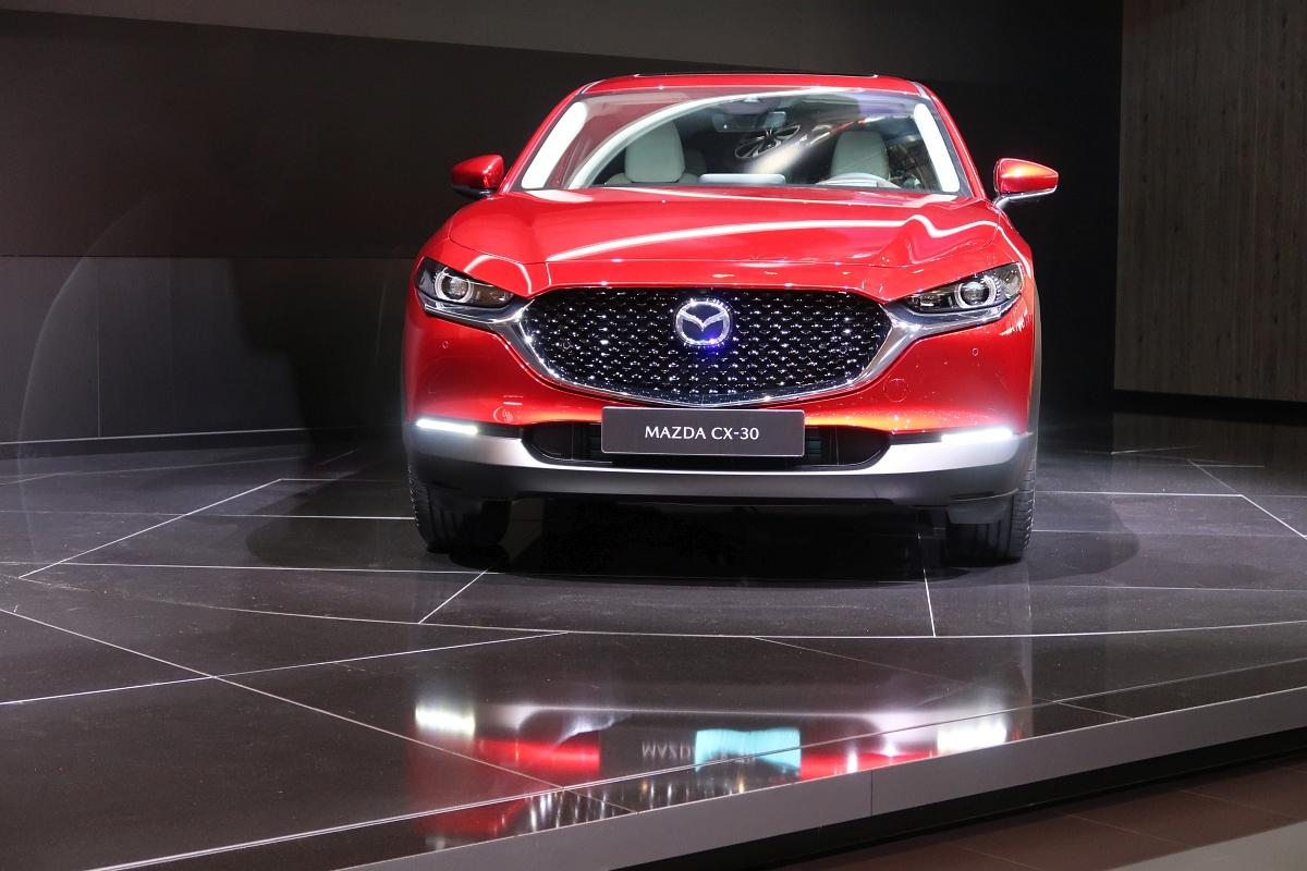 「なんと「CX-3」と併売? マツダの次世代SUV「CX-30」【ジュネーブモーターショー2019】」の6枚目の画像