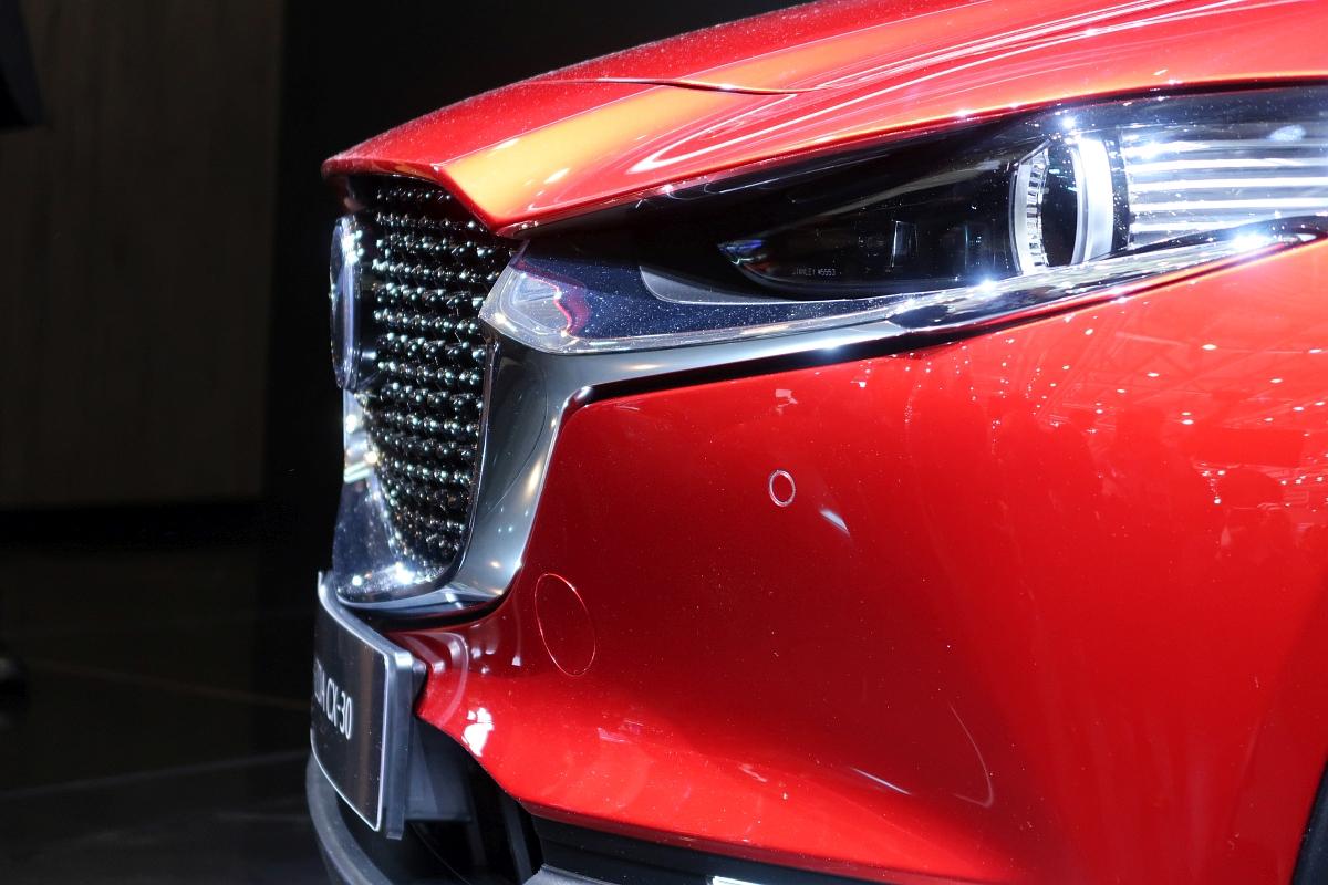 「なんと「CX-3」と併売? マツダの次世代SUV「CX-30」【ジュネーブモーターショー2019】」の3枚目の画像