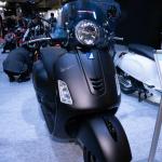【スクーター編】モーターサイクルショー出展バイクから独断チョイス「〇〇ならこの3台!」 - VESPA GTS SUPER 300 QUASAR4