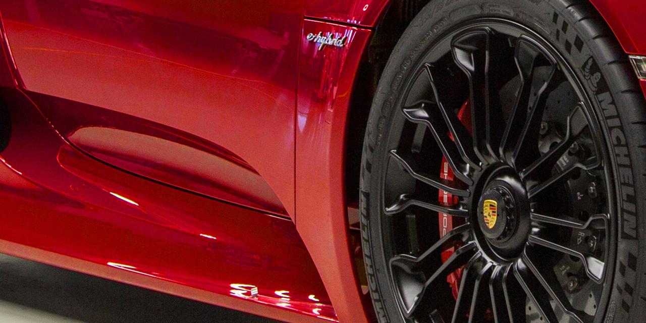 「ポルシェ・918スパイダーの後継モデルが開発中!? 2025年にフルEVモデルで登場か?」の3枚目の画像
