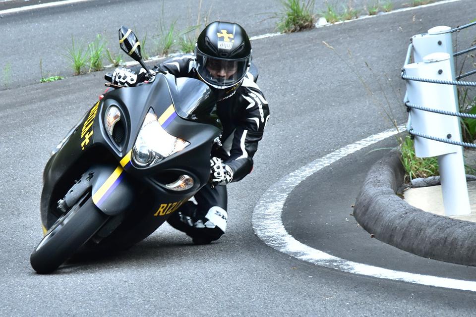 「【バイクの魅力】バイクに乗り始めた理由は?「安くて速いから」ケース2(24歳/motobeライター)」の4枚目の画像