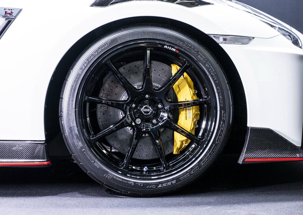 「世界最大級のカーボンセラミックブレーキ採用! 最強GT-Rがさらに進化【日産GT-R NISMO・2020年モデル】」の20枚目の画像