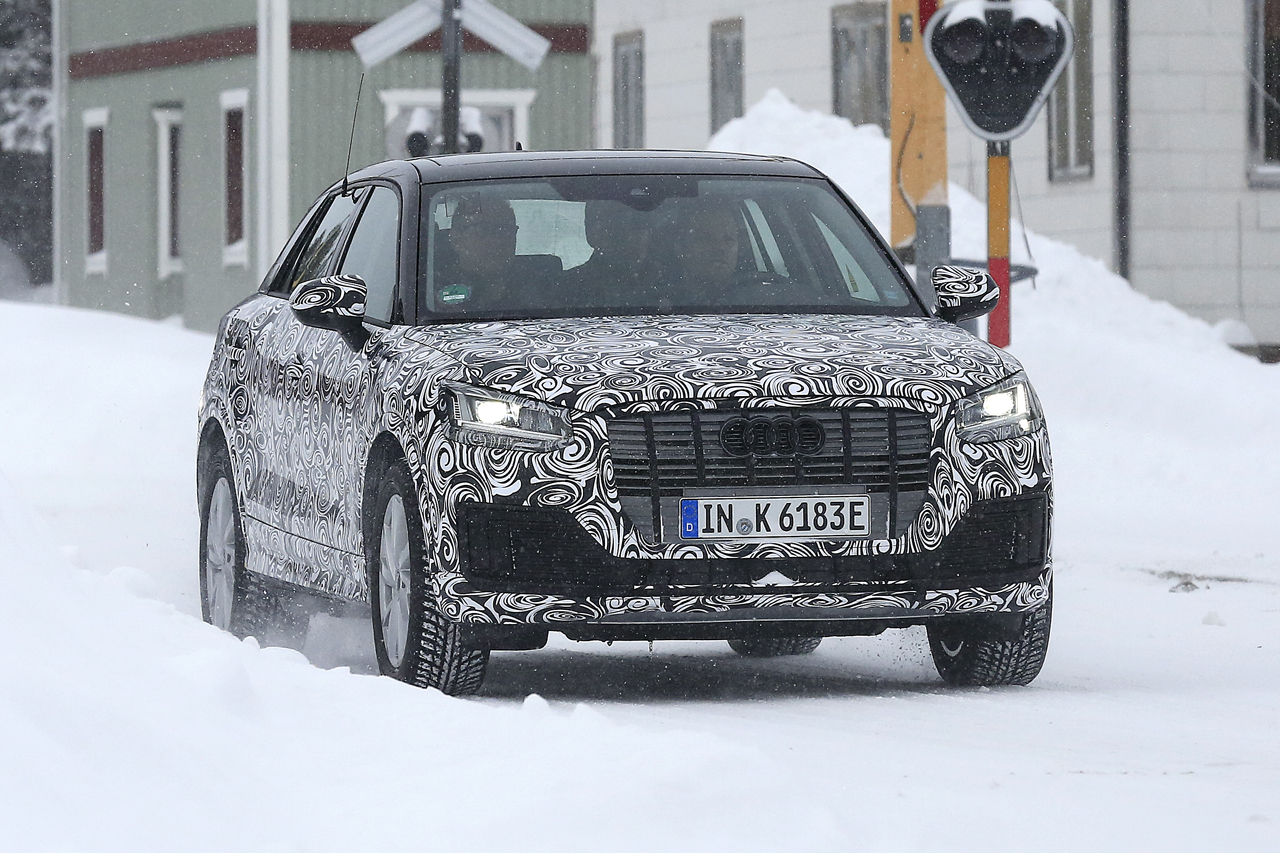 「「Audi Q2 e-tron」アウディ最小SUVもEV化へ…市販型プロトタイプ発見、上海モーターショーで発表か?」の1枚目の画像