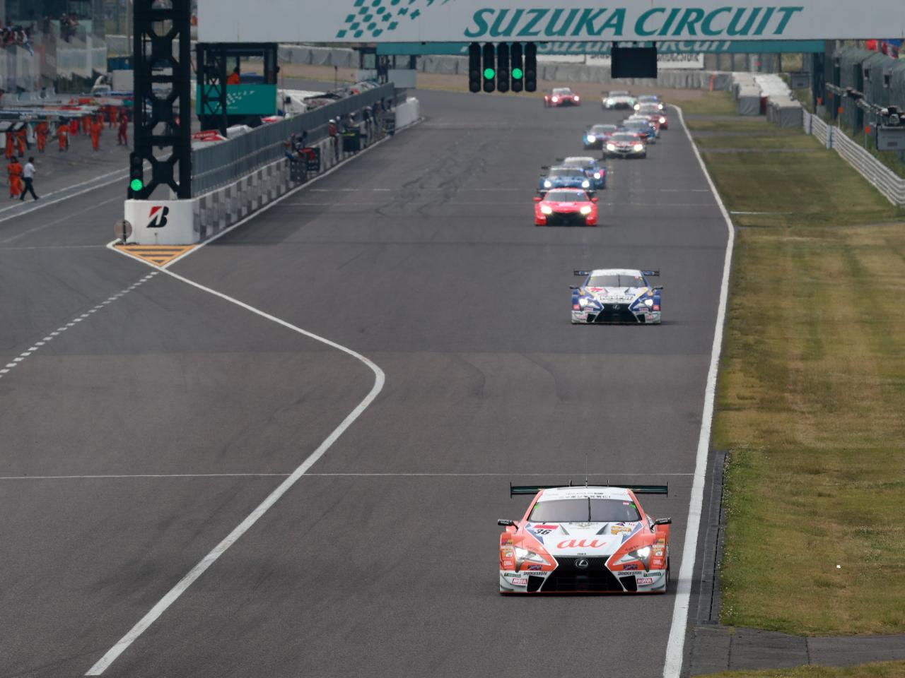 「猛暑の鈴鹿決戦、GT500は「最後の鈴鹿」となるLC500が表彰台を独占!」の5枚目の画像