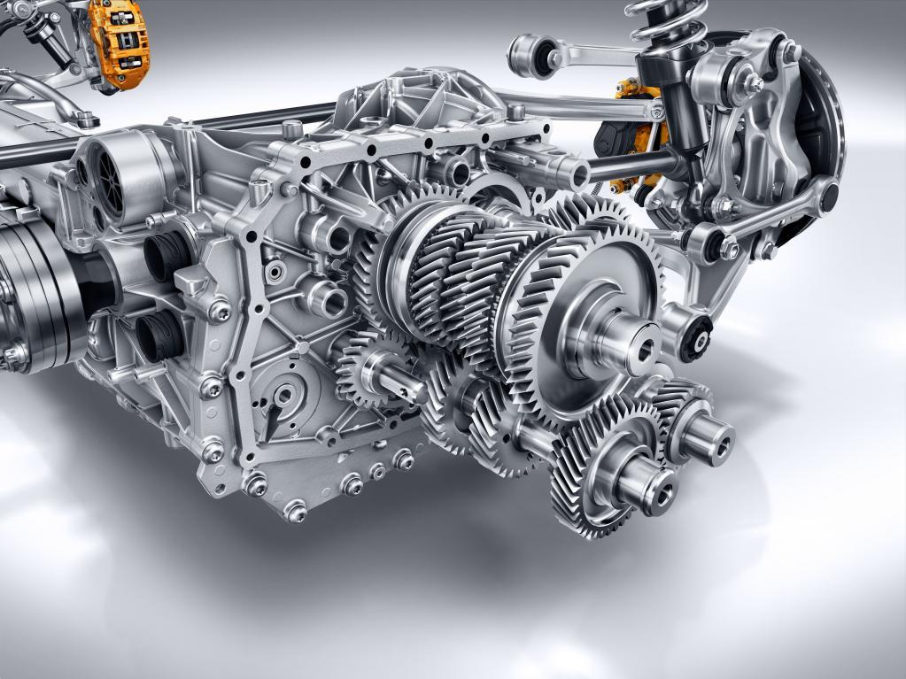 メルセデスAMG-GTのトランスアクスル。4軸構成であることがわかる。ダイムラーでは「SPEEDSHIFT DCT」の呼称。