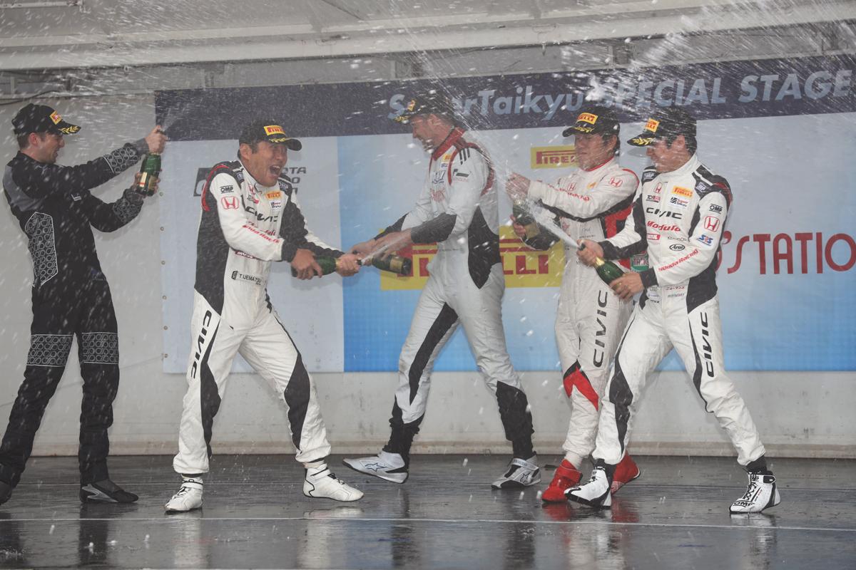 「第4戦オートポリスでModulo CIVIC今季初勝利【スーパー耐久2019】」の16枚目の画像