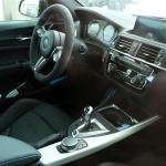 BMW・M2に最強モデル「CS」が設定! コックピットを激写 - BMW M2 CS 2
