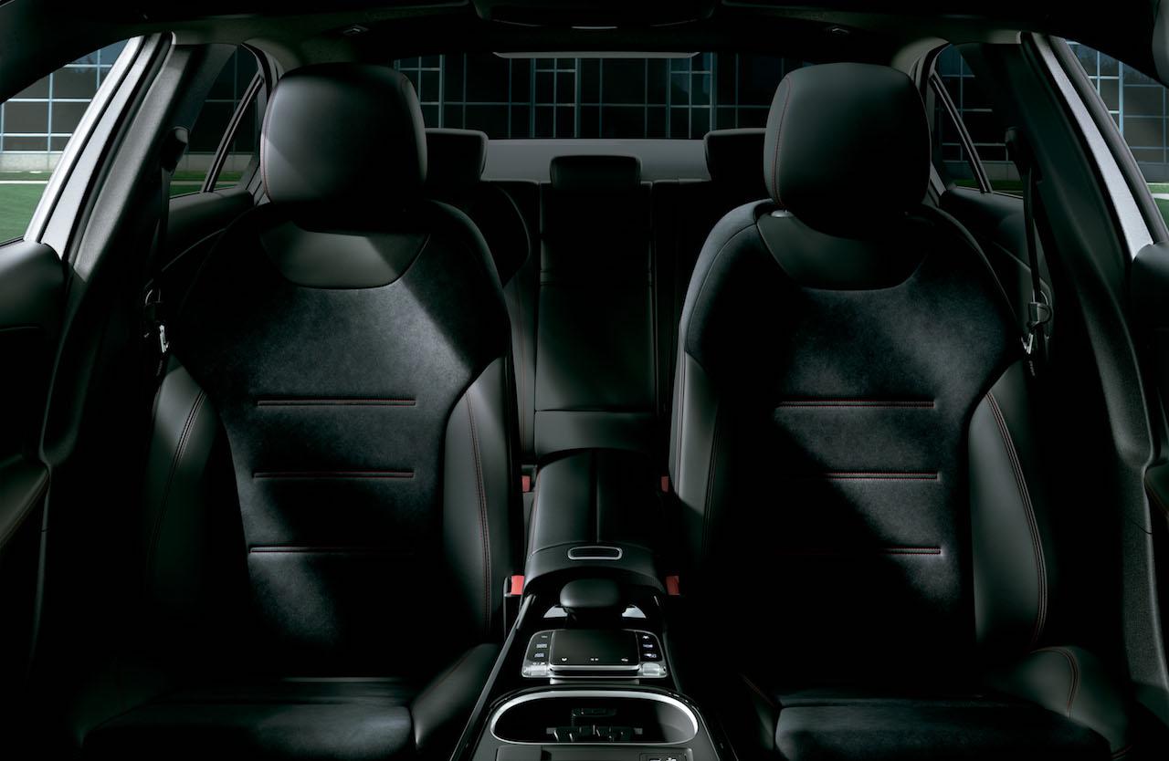 「【新車】メルセデス・ベンツからAクラス セダンが登場。4ドアクーペのような官能的なスタイリングで魅せる」の7枚目の画像