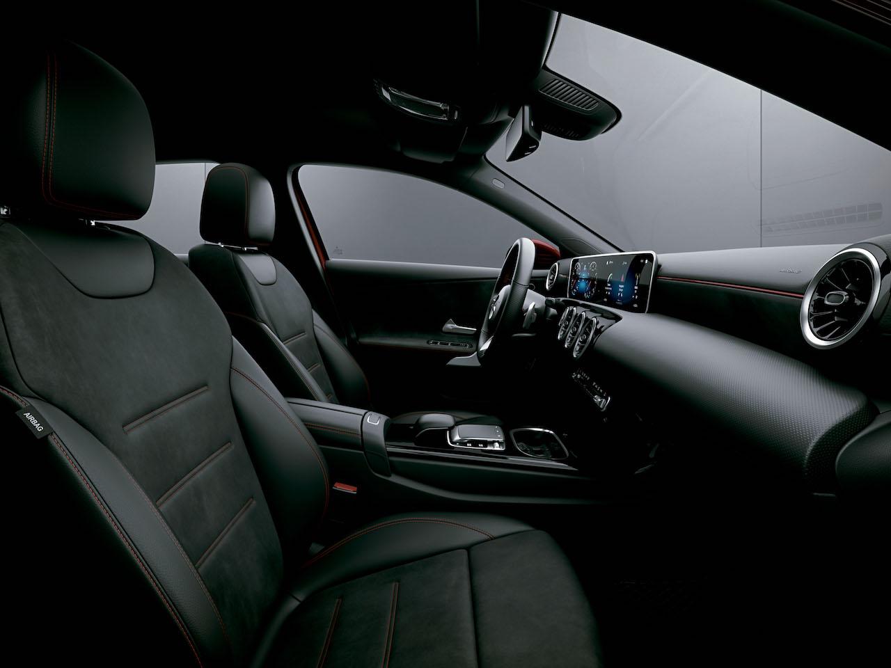 「【新車】メルセデス・ベンツからAクラス セダンが登場。4ドアクーペのような官能的なスタイリングで魅せる」の5枚目の画像