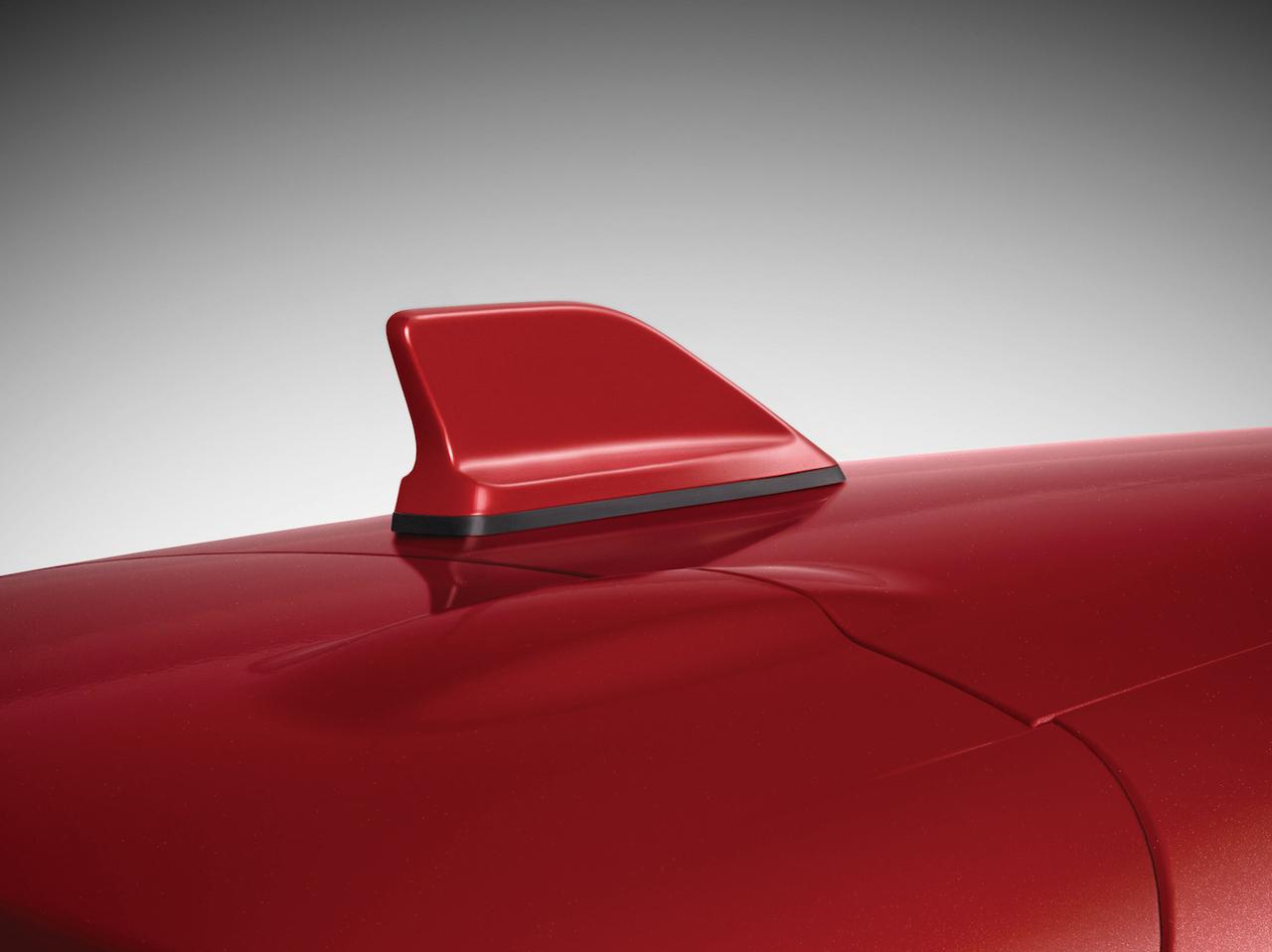 「【新車】情熱の赤をまとった「ルノー ルーテシア アイコニック」が40台限定で登場」の8枚目の画像