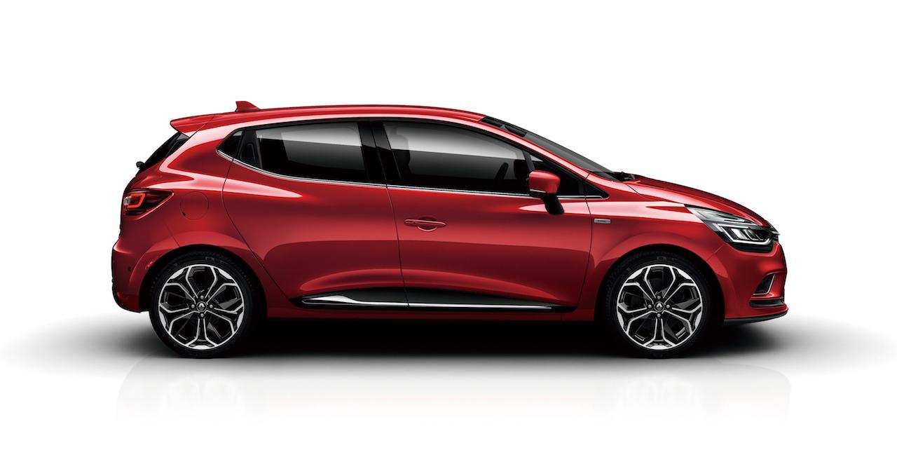 「【新車】情熱の赤をまとった「ルノー ルーテシア アイコニック」が40台限定で登場」の1枚目の画像