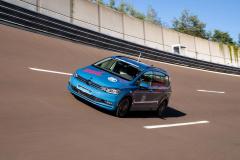 ZF2速電動ドライブの走行シーン