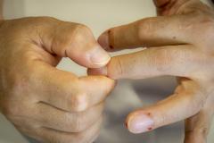 爪の生え際ツボ