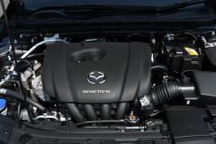 マツダ3 2.0ガソリンエンジン
