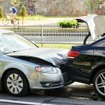 もし事故が起きたら落ち着いて「救急→警察→保険会社」の順に連絡することが必須!【保険/車検のミニ知識】 - 274773762