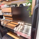 光岡自動車が新型霊柩車「プレミアムフュージョン」をエンディング産業展で初公開 - MitsuokaFusionPremium004