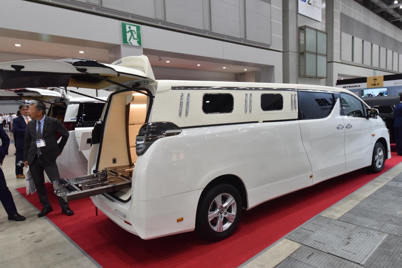 「宮型から洋型霊柩車への流れだけではない、これからの日本に求められる霊柩車とは?」の3枚目の画像