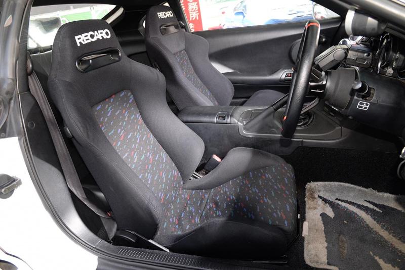トヨタ80スープラ・チューニング仕様のシート