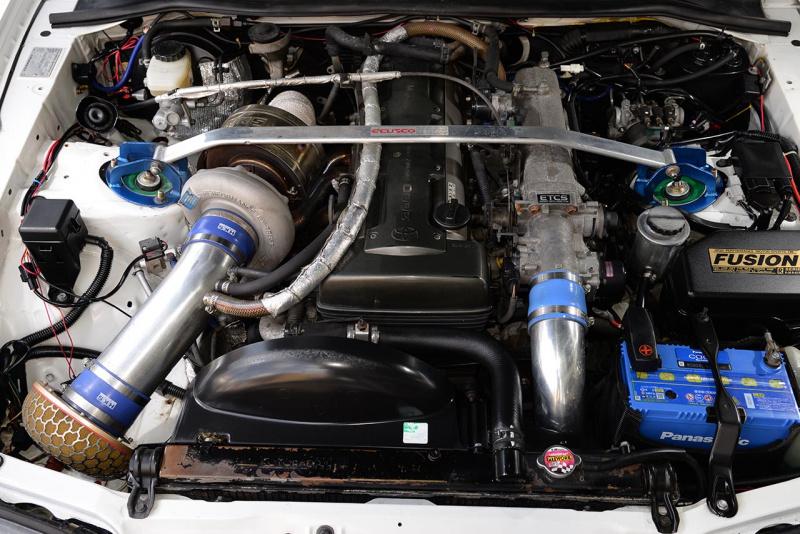 トヨタ80スープラ・チューニング仕様のエンジン