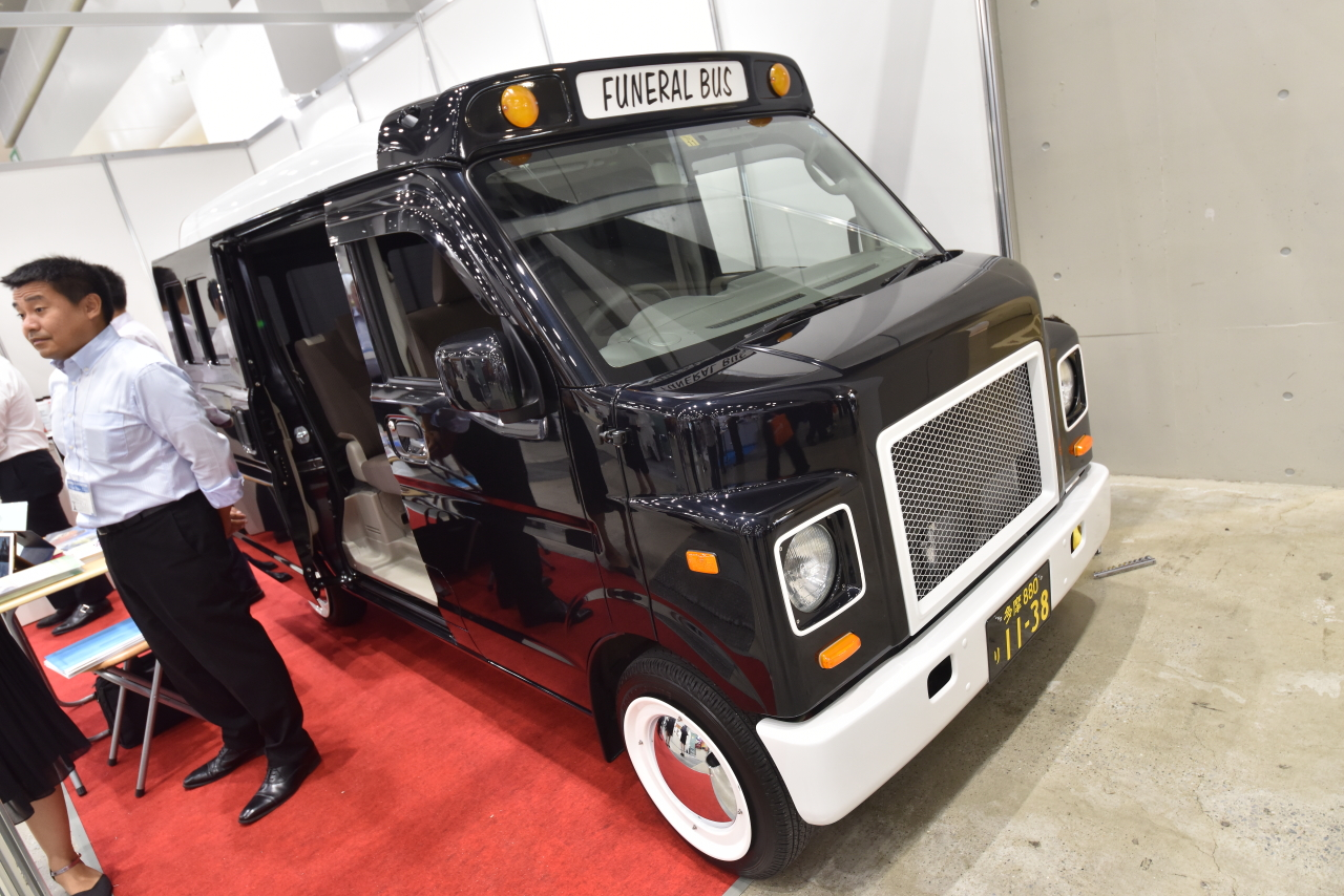 「宮型から洋型霊柩車への流れだけではない、これからの日本に求められる霊柩車とは?」の16枚目の画像