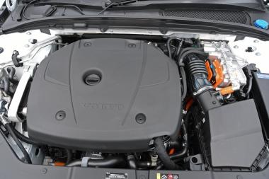 ボルボV60ツインエンジン エンジン