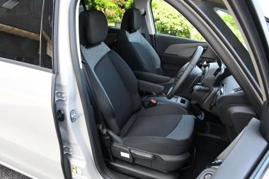 グランドC4スペースツアラー フロントシート