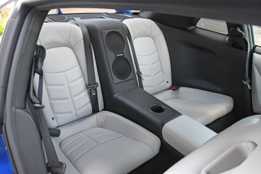 日産GT-R2020リヤシート