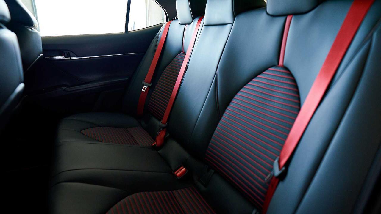 「トヨタ カムリの北米専用モデル「カムリTRD」が発売! よりエキサイティングなルックスに」の10枚目の画像