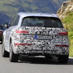 アウディ Q5の開発車両にシルバーカラーの最新プロトタイプを発見 - Spy-Photo