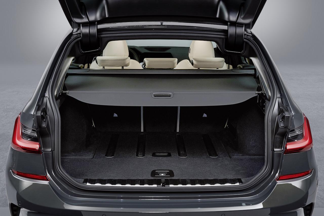 「新型BMW 3シリーズに待望のツーリング(ステーションワゴン)が登場【新車】」の8枚目の画像