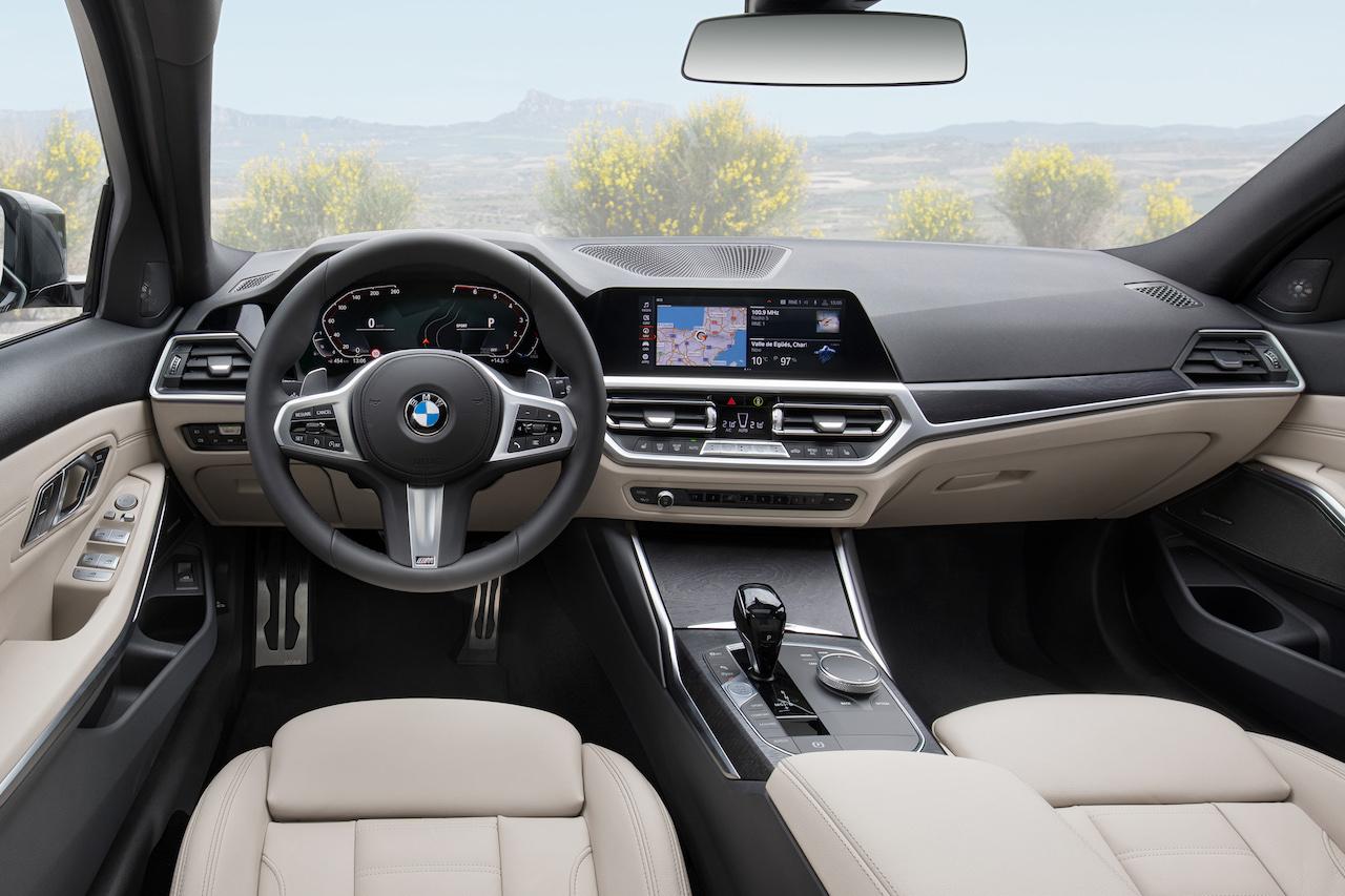 「新型BMW 3シリーズに待望のツーリング(ステーションワゴン)が登場【新車】」の3枚目の画像