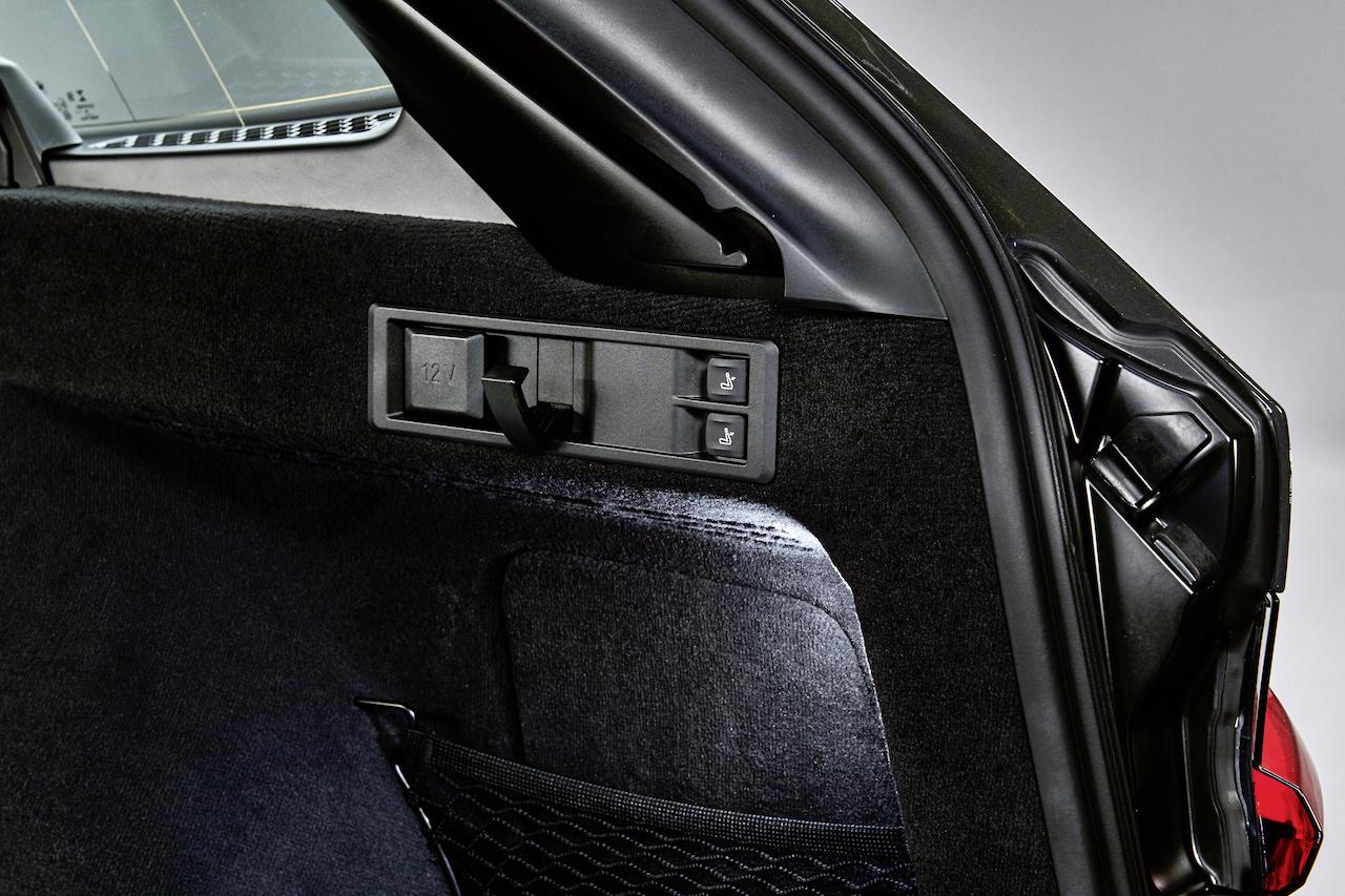 「新型BMW 3シリーズに待望のツーリング(ステーションワゴン)が登場【新車】」の7枚目の画像
