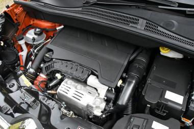 シトロエンC3エアクロスエンジン