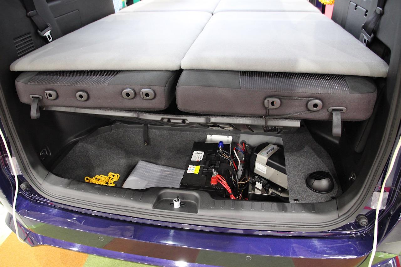 「日産・セレナをポップアップルーフ化した、日産ピーズフィールドクラフト「セレナP-SV」【最新キャンピングカー(バンコン編)】」の3枚目の画像