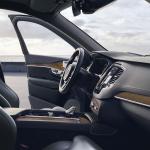 ボルボ XC90がマイナーチェンジ。自慢の安全装備を強化し、特別仕様車の「XC90 D5 AWD R-Design」も設定【新車】 - Volvo_XC90_2019823_11