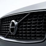 ボルボ XC90がマイナーチェンジ。自慢の安全装備を強化し、特別仕様車の「XC90 D5 AWD R-Design」も設定【新車】 - Volvo_XC90_2019823_9