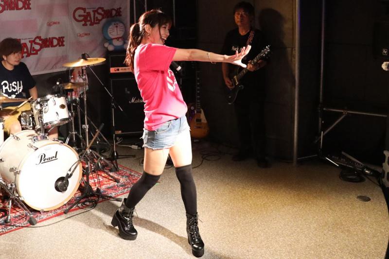 WAKO'S GIRLSの霧島聖子さん