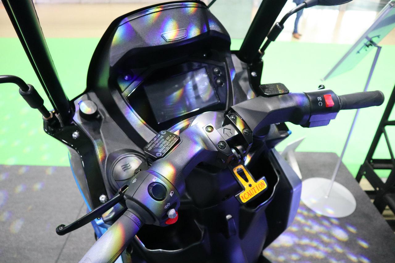 「バイクから家に電気を供給できる! 日本発の新ブランド「アイディア」の電動スクーターが誕生【東京モーターショー2019】」の10枚目の画像