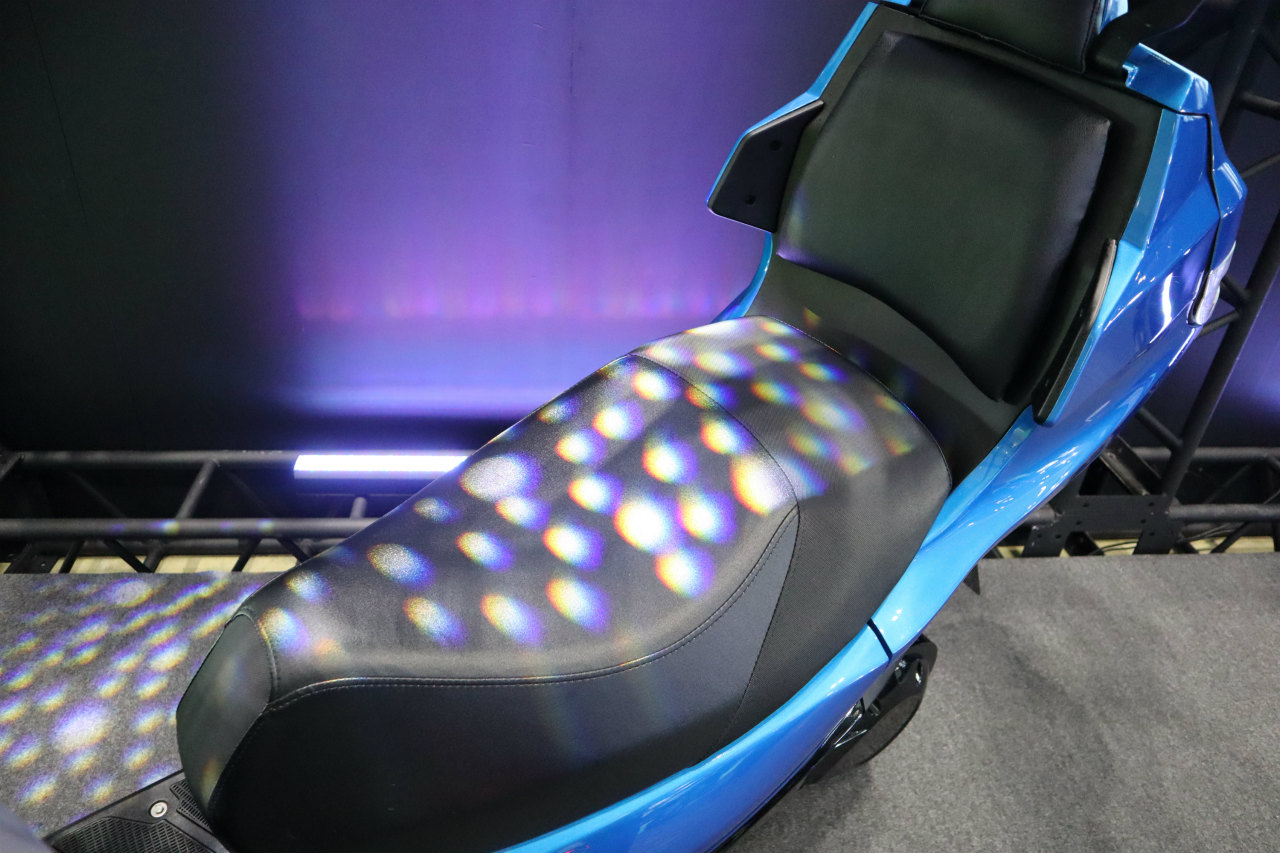 「バイクから家に電気を供給できる! 日本発の新ブランド「アイディア」の電動スクーターが誕生【東京モーターショー2019】」の11枚目の画像