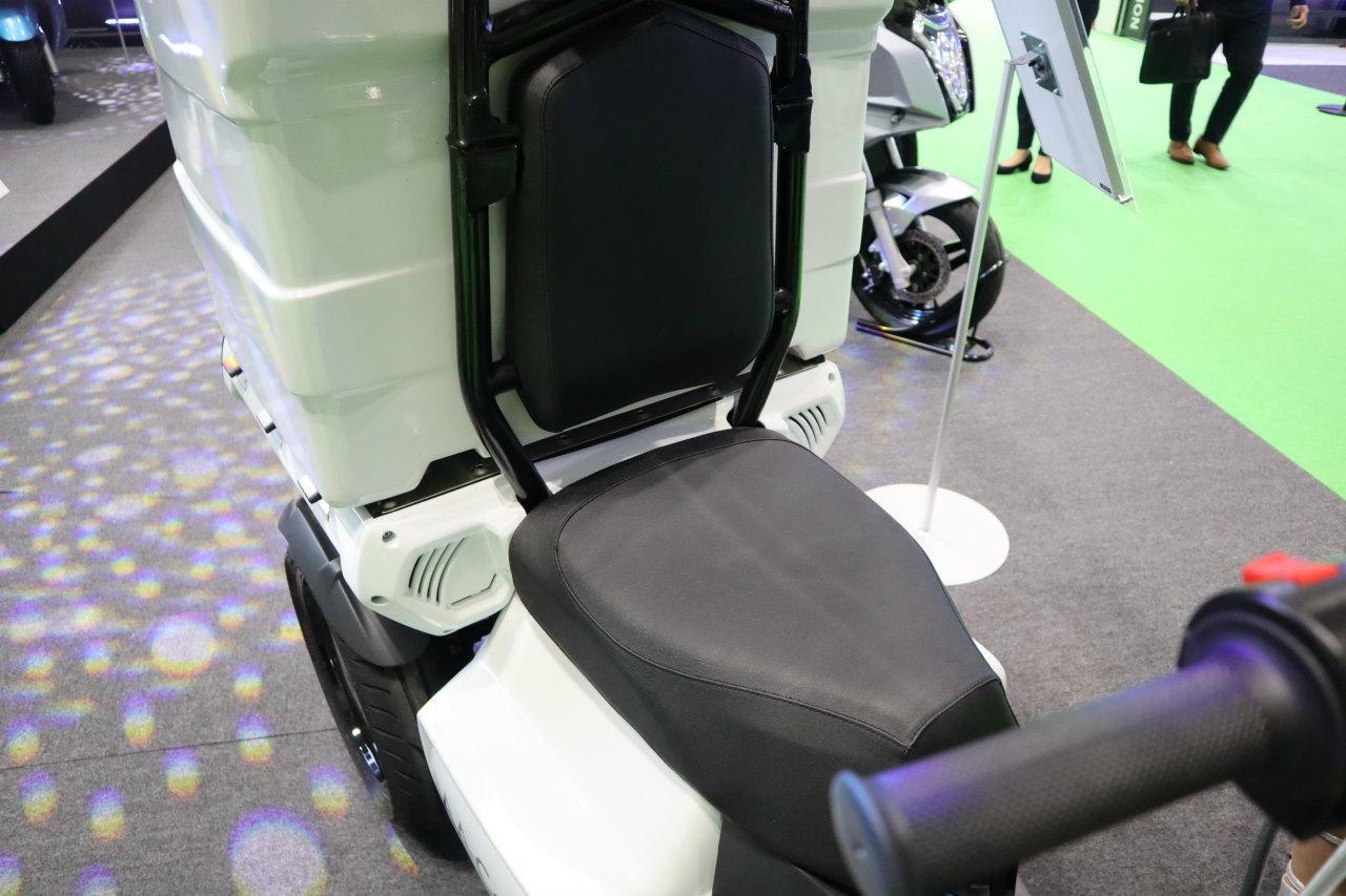 「バイクから家に電気を供給できる! 日本発の新ブランド「アイディア」の電動スクーターが誕生【東京モーターショー2019】」の13枚目の画像