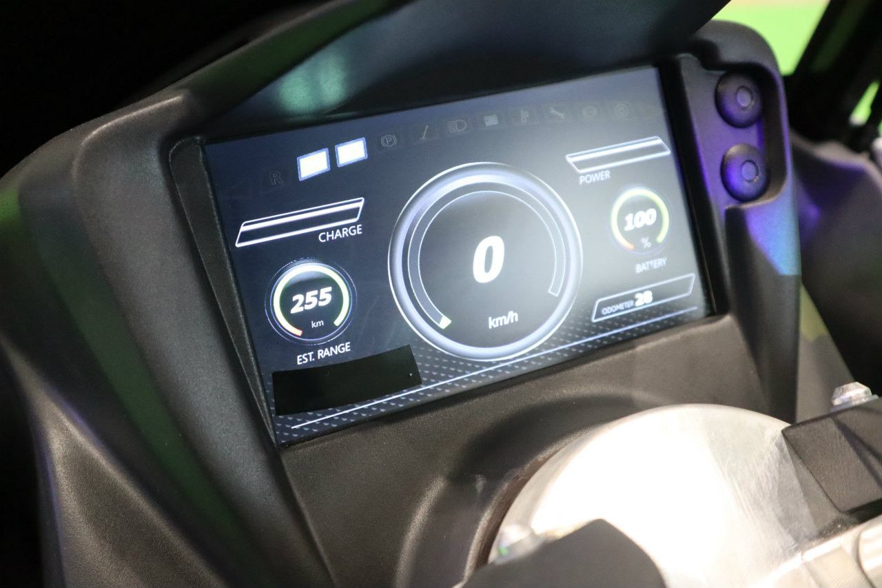 「バイクから家に電気を供給できる! 日本発の新ブランド「アイディア」の電動スクーターが誕生【東京モーターショー2019】」の5枚目の画像