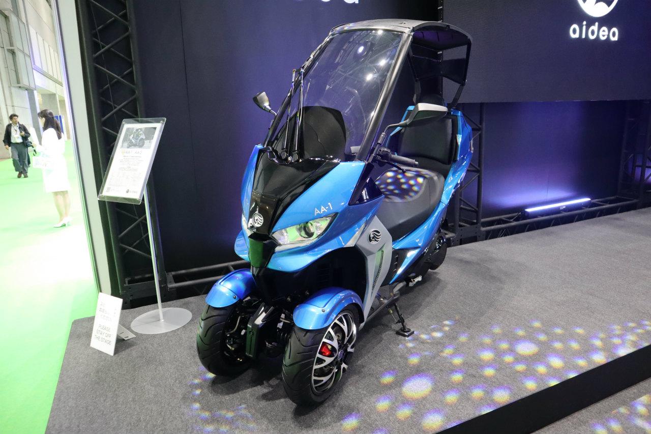 「バイクから家に電気を供給できる! 日本発の新ブランド「アイディア」の電動スクーターが誕生【東京モーターショー2019】」の9枚目の画像