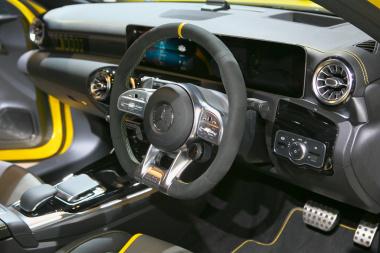 AMG A45 インテリア
