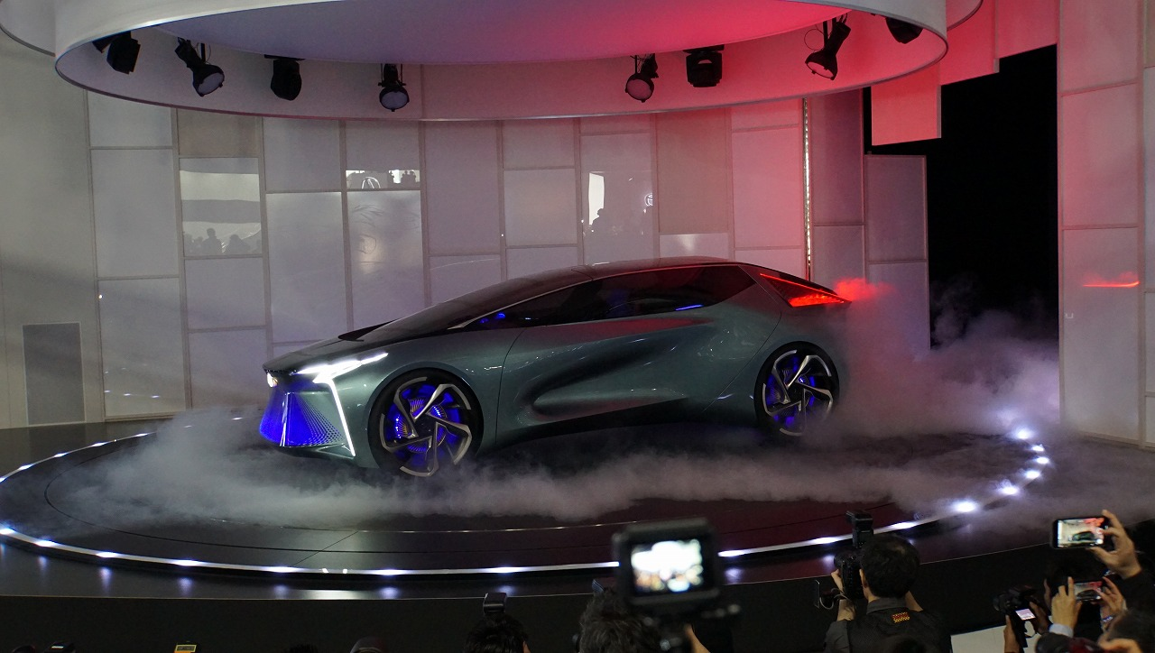 「鉱石のような塊感! レクサスの電動化ビジョンを象徴するコンセプトモデル「LF-30 Electrified」を公開【東京モーターショー2019】」の1枚目の画像